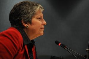 DHS Secretary Janet Napolitano visits FEMA Headquarters